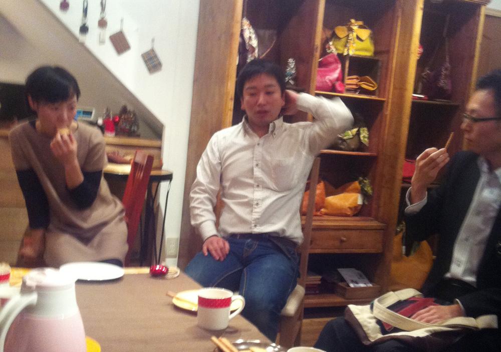 [マザーハウス] バッグ報告会で山口絵理子さんと山崎さんの話を聞く