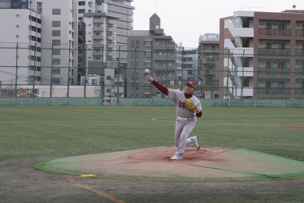 還暦で野球をする鉄人野呂さん
