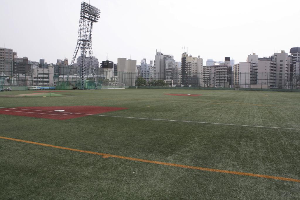 高田馬場の野球グラウンド