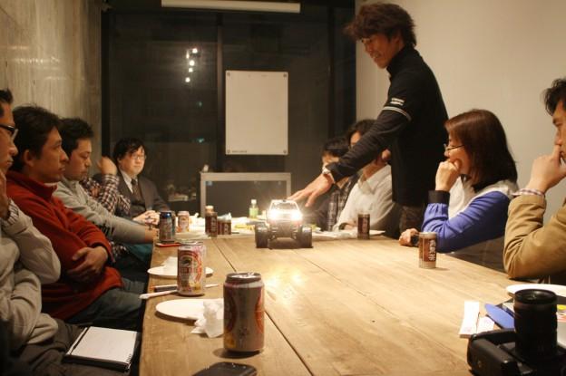 ダカールラリードライバー三橋淳の「車庫入れ講座」はラジコン実技だった、大盛況でしたよ!